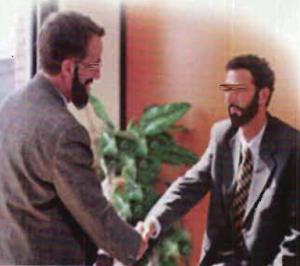 2 männer unterhaltung